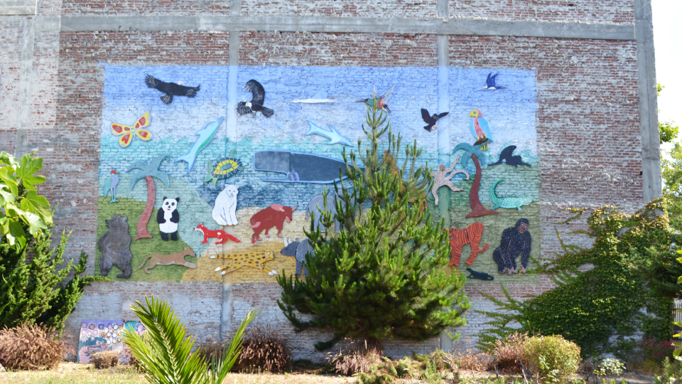 Community Green Space Zoo Mural